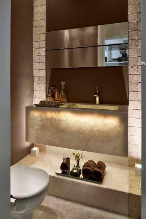 Baños de estilo  por Cristina Menezes Arquitetura