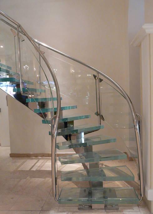 Escalier cristal:  de style  par S.I.B