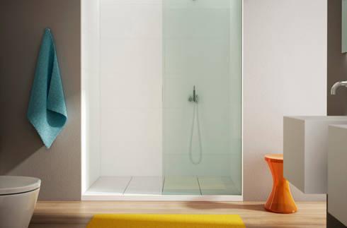 BASES RM + TABLE y LOSA , duchas BO!NG: Baños de estilo moderno de Boing Original