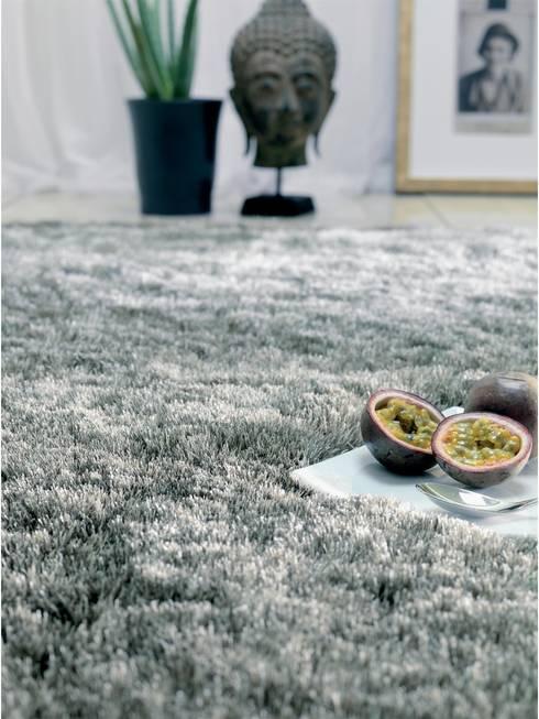 Hochflor Teppich Whisper:  Wohnzimmer von benuta GmbH