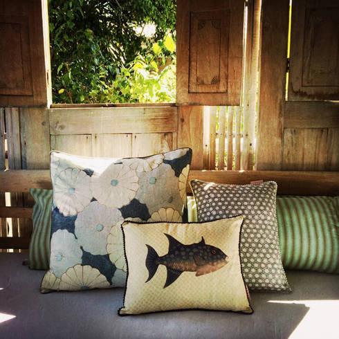 coussins meika et yepa collection yahto par rouge c ladon par rouge c ladon homify. Black Bedroom Furniture Sets. Home Design Ideas