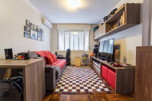 Sala de Estar / TV: Salas de estar modernas por Liana Salvadori Arquitetura e Interiores