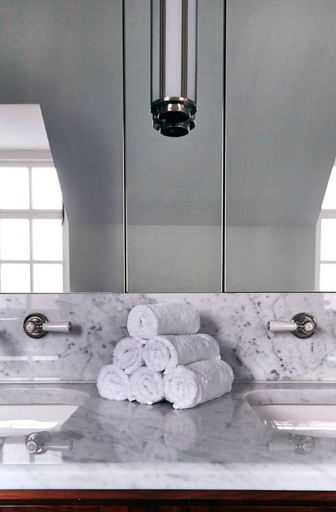 Baños de estilo  por Studio Duggan
