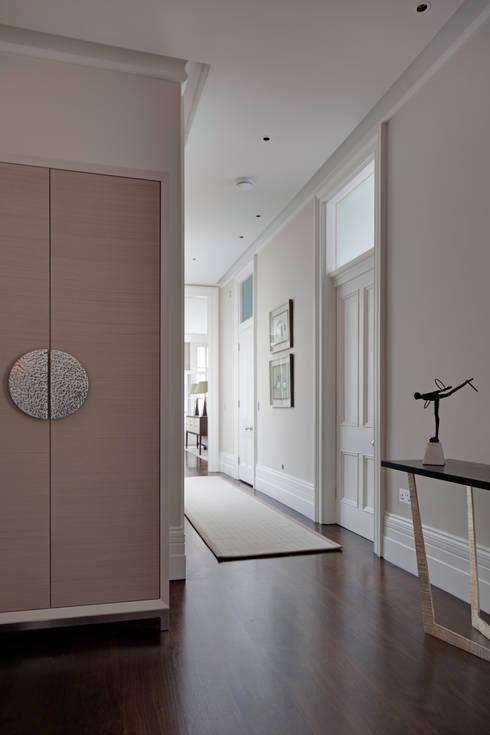 Hallway :  Corridor & hallway by Studio Duggan