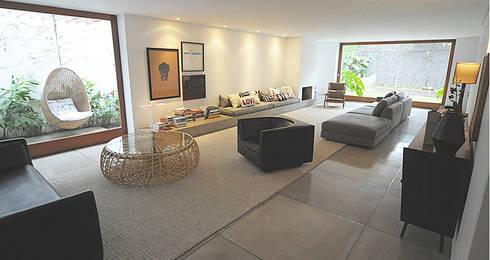 Casa Rath: Salas de estar modernas por SAO Arquitetura