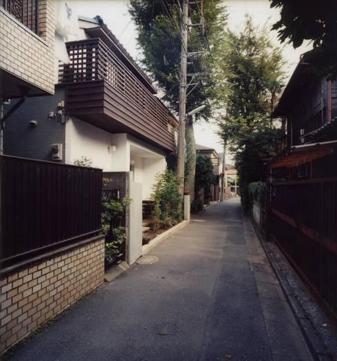 新建材をつかわない外観: 安井正/クラフトサイエンスが手掛けた家です。