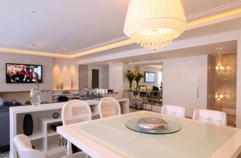 Apartamento Bela Vista 02: Salas de estar modernas por Francisco Humberto Franck