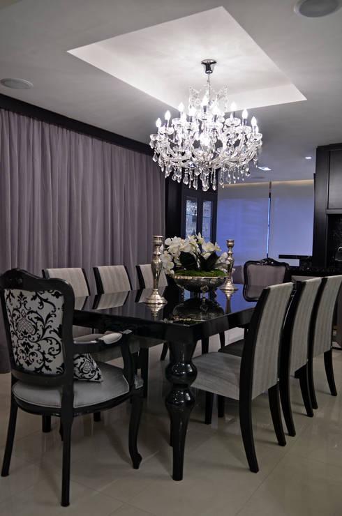 Apartamento Bela Vista: Salas de jantar clássicas por Francisco Humberto Franck