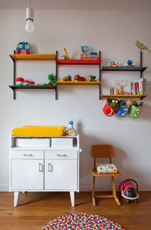 detail kinderkamer: moderne Slaapkamer door studio k