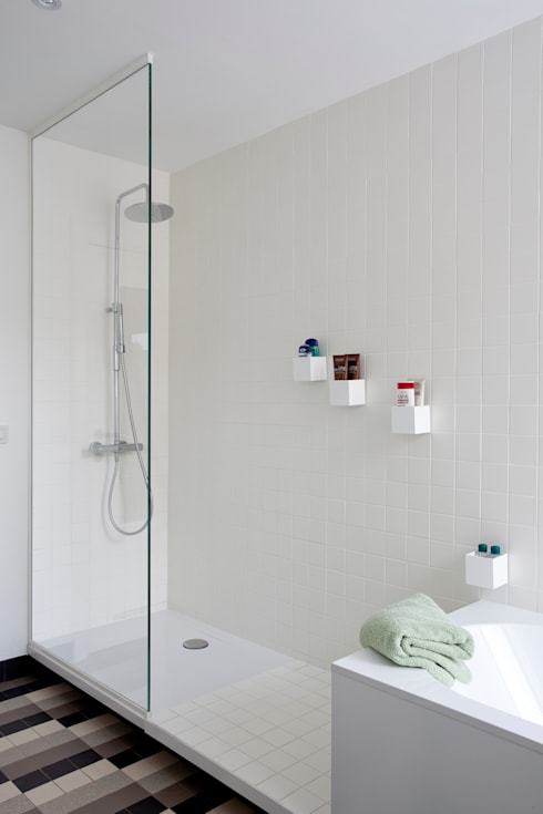 detail badkamer: moderne Badkamer door studio k