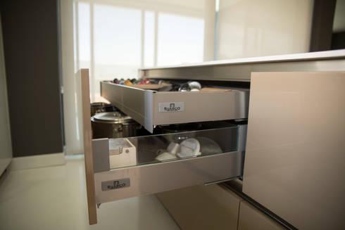 Cocina con isla integrada en un salon de suarco homify - Cocinas suarco ...