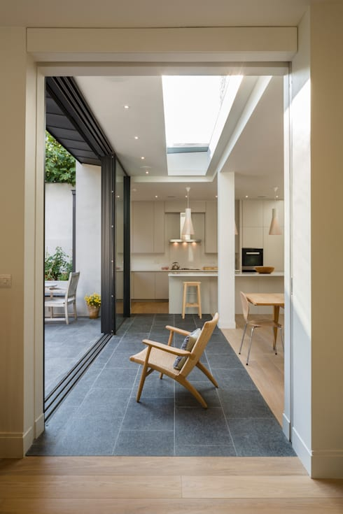 Muswell Hill House 1, London N10:  Kitchen by Jones Associates  Architects