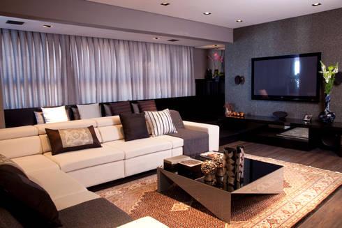 Living: Salas de estar modernas por dsgnduo