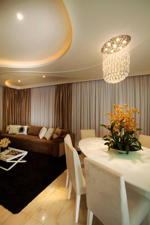 Dining room by Designer de Interiores e Paisagista Iara Kílaris