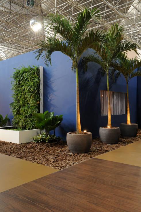 EquipDesign   2010: Jardins modernos por Folha Paisagismo