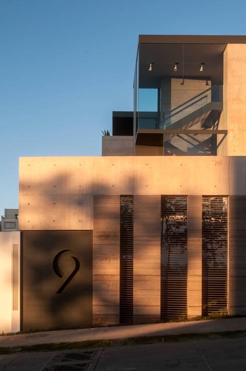 Casa ML: Casas de estilo  por Gantous Arquitectos