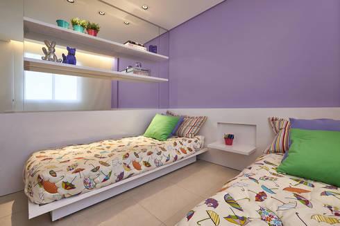 Quarto das meninas: Quarto infantil  por Fernanda Sperb Arquitetura e interiores