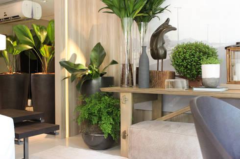 Artefacto B&C | 2014 | Débora Aguiar: Salas de estar modernas por Folha Paisagismo