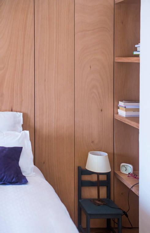 Habitaciones de estilo moderno por DMP arquitectura