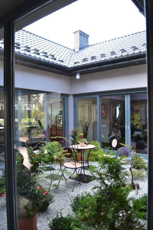 Autorskie Studio Projektu QUBATURAが手掛けた庭
