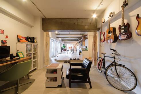 趣味の部屋2: 株式会社 アポロ計画 リノベエステイト事業部が手掛けた和室です。