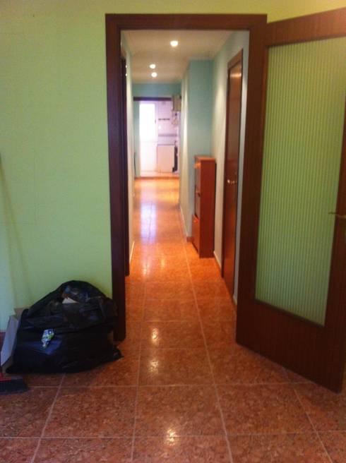 Ingresso & Corridoio in stile  di zazurca arquitectos