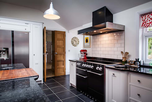 Handmade In Hitchin : classic Kitchen by Planet Furniture