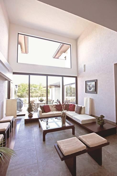 CO 18: Salas de estilo moderno por AMEC ARQUITECTURA