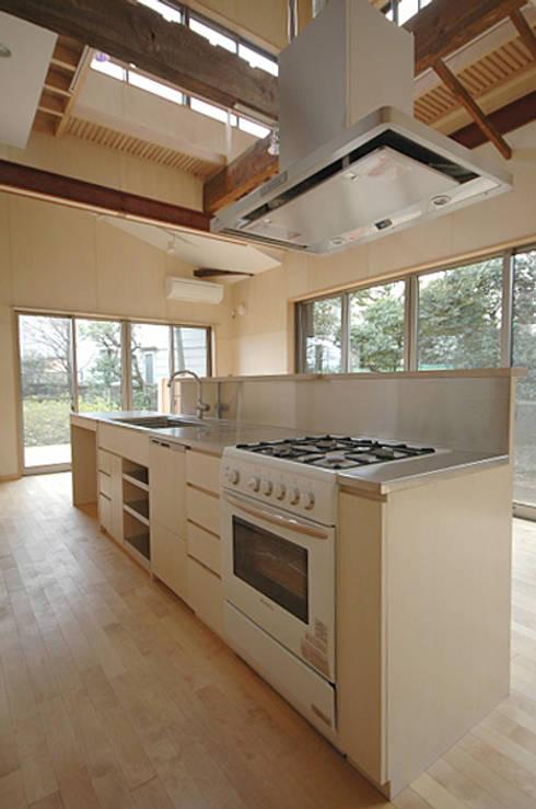 オリジナルのキッチン: 大庭建築設計事務所が手掛けたキッチンです。