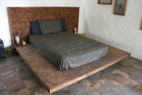 rustic Bedroom by Cenquizqui