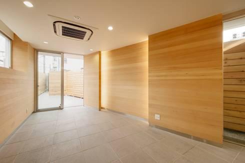 店舗: 仲摩邦彦建築設計事務所 / Nakama Kunihiko Architectsが手掛けた壁です。