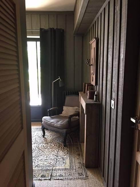 Habitaciones de estilo ecléctico por Concept Home Setting