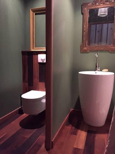 Buanderie: Salle de bains de style  par Concept Home Setting