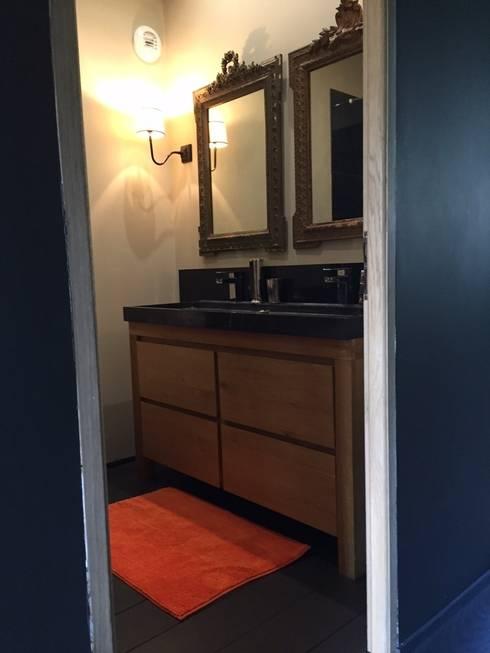 Baños de estilo ecléctico por Concept Home Setting