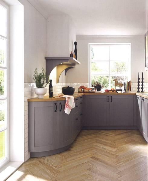 Casa  kader met nerf zijdeglanslak:  Keuken door Eiland de Wild Keukens