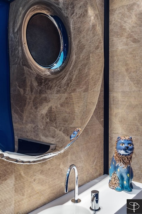 Wielkomiejski eklektyzm: styl , w kategorii Łazienka zaprojektowany przez Studio Potorska