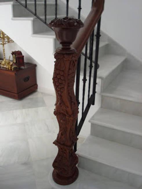 Pasamanos: Vestíbulos, pasillos y escaleras de estilo  de carpinteria y ebanisteria paez