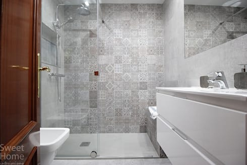 Baño en Sarriko, Bilbao: Baños de estilo industrial de Sweet Home Interiorismo