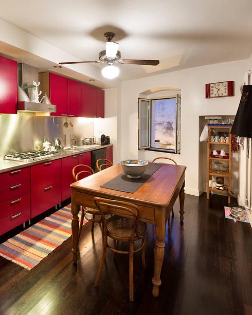 CASA BL CONVERSANO BARI: Cucina in stile in stile Moderno di Studio Bugna