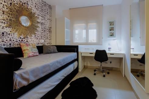 Perspectiva de Dormitorio Juvenil: Dormitorios de estilo mediterráneo de CARMAN INTERIORISMO