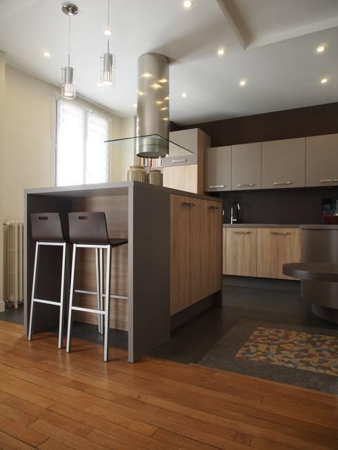 Maison de Famille rénovée: Cuisine de style  par agence MGA architecte DPLG