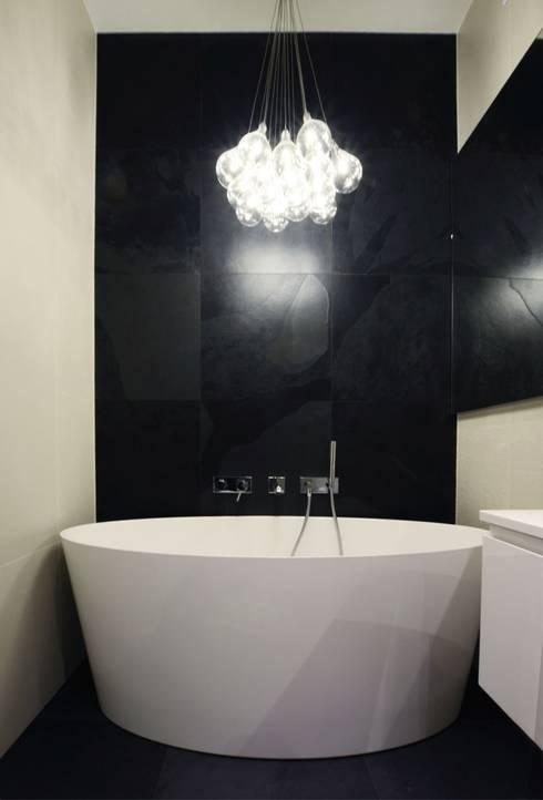 Devangari Design의  욕실