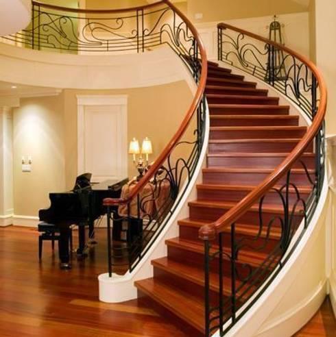Masif Panel Çözümleri - Serender Ahşap Dekorasyon – Ahşap Merdiven Uygulaması: modern tarz Koridor, Hol & Merdivenler