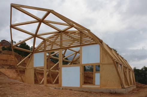 CASA MI Vivienda Emergente: Casas de estilo rural por COOP