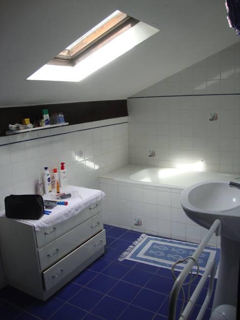 Salle de bain 2 avant travaux:  de style  par Clemence de Mierry Grangé