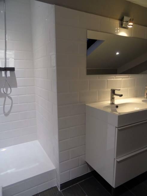 salle de bain 2 aprés travaux:  de style  par Clemence de Mierry Grangé
