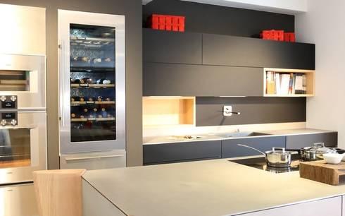 Küchendesign, Küchenplanung, Küchenbau: Moderne Küche Von DESIGNWERK Christl