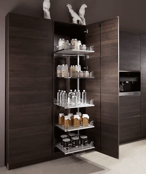 Elegant. Hoch. Stapeln. - Hoch-Eck-Schrank Magic Corner:  Küche von DESIGNWERK Christl