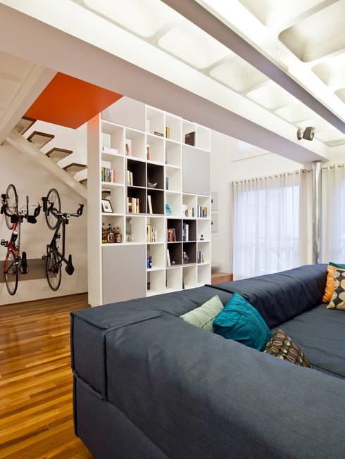 Projeto Araguari: Salas de estar  por Stuchi&Leite Projetos
