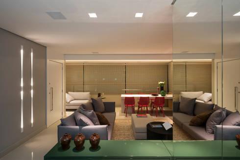 APTO DO JOVEM CASAL: Salas de estar modernas por Nara Cunha Arquitetura e Interiores
